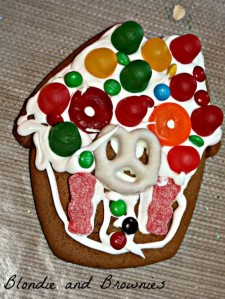 Gingerbread Houses 018