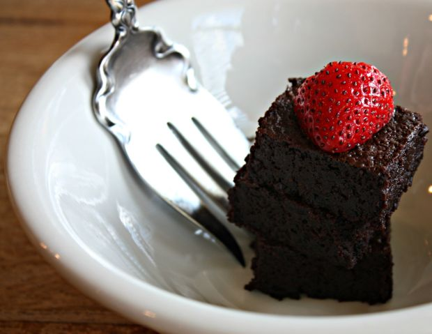Flourless Chocolate Cake July 2015 138